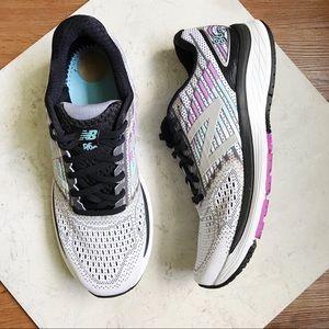 New Balance    860 v9 Running Shoes Size 11.5